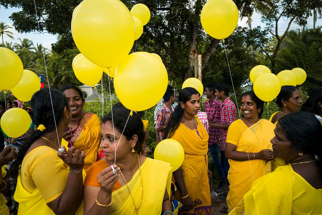 INDIA. Near Appuzha. 2014. Sri Narayana Jayathi Festival. Processions commemorating death of Sri Narayana Guru, philosopher who opposed caste system.