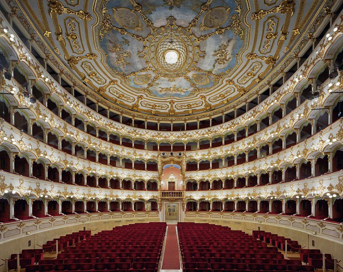 david-leventi-opera-houses-02