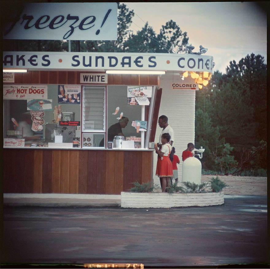 gordon-parks-segregation-story-02