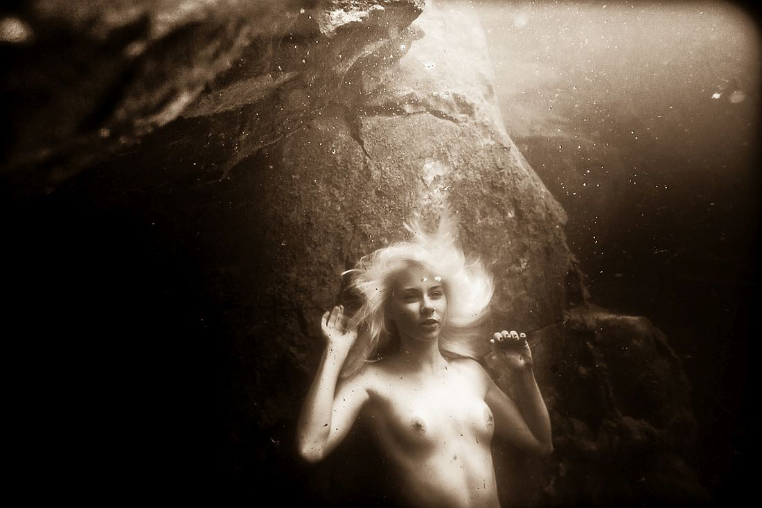 neil-craver-underwater-nude-rock-quarry-28