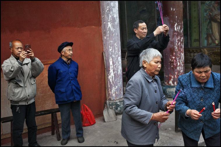 patrick-zachmann-springtime-in-china-14