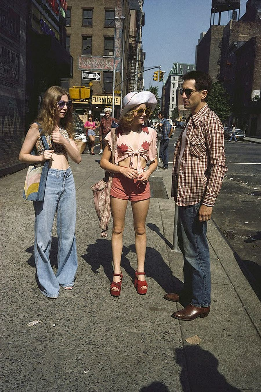 behind-the-scenes-jodie-foster-on-the-set-of-taxi-driver-1976-04