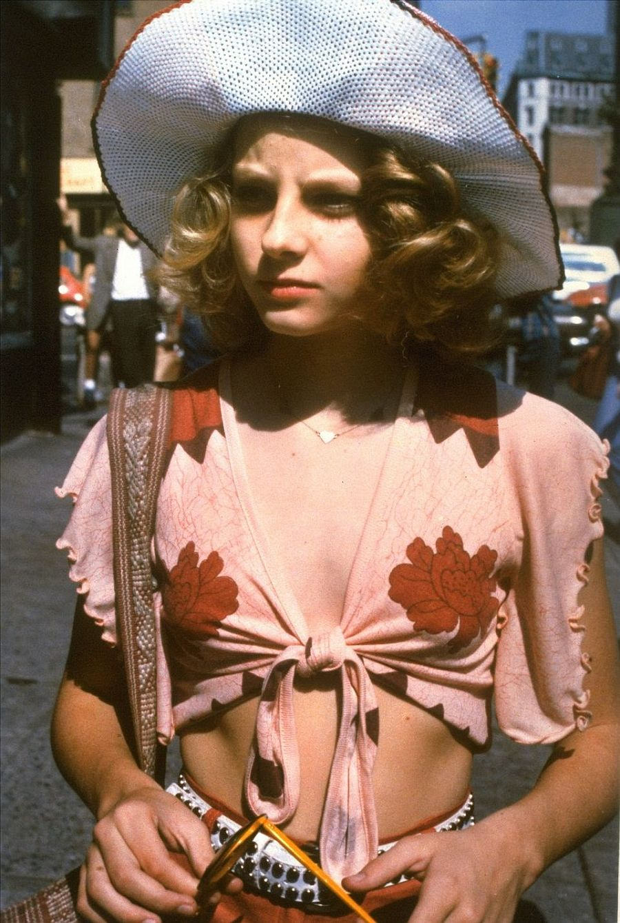 behind-the-scenes-jodie-foster-on-the-set-of-taxi-driver-1976-12