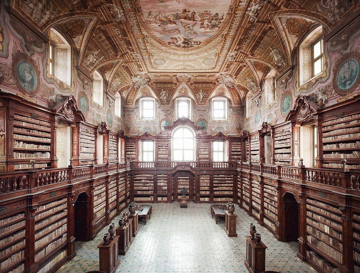 candida-hofer-interior-architecture-03