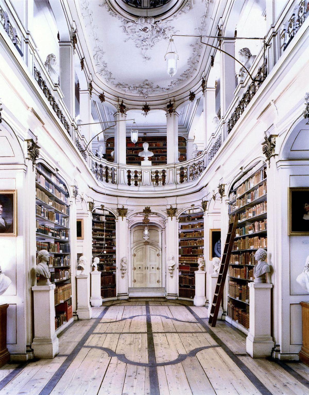 candida-hofer-interior-architecture-22