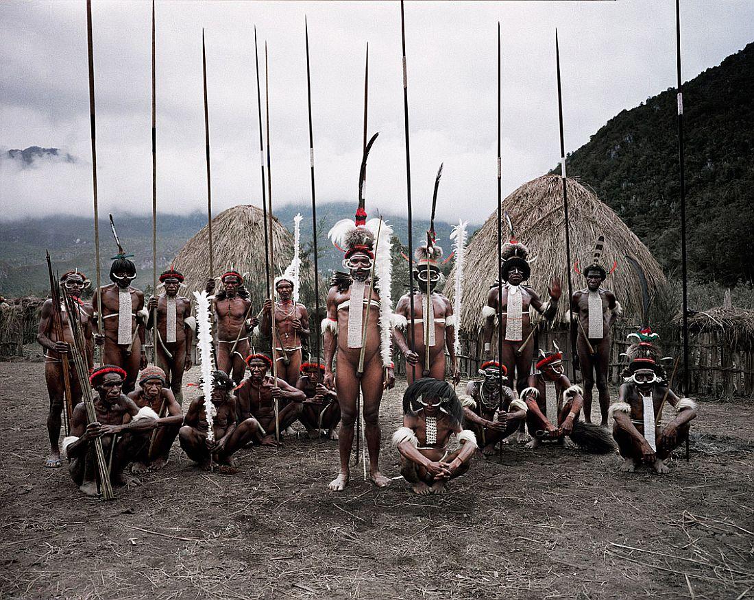 jimmy-nelson-tribes-portrait-023