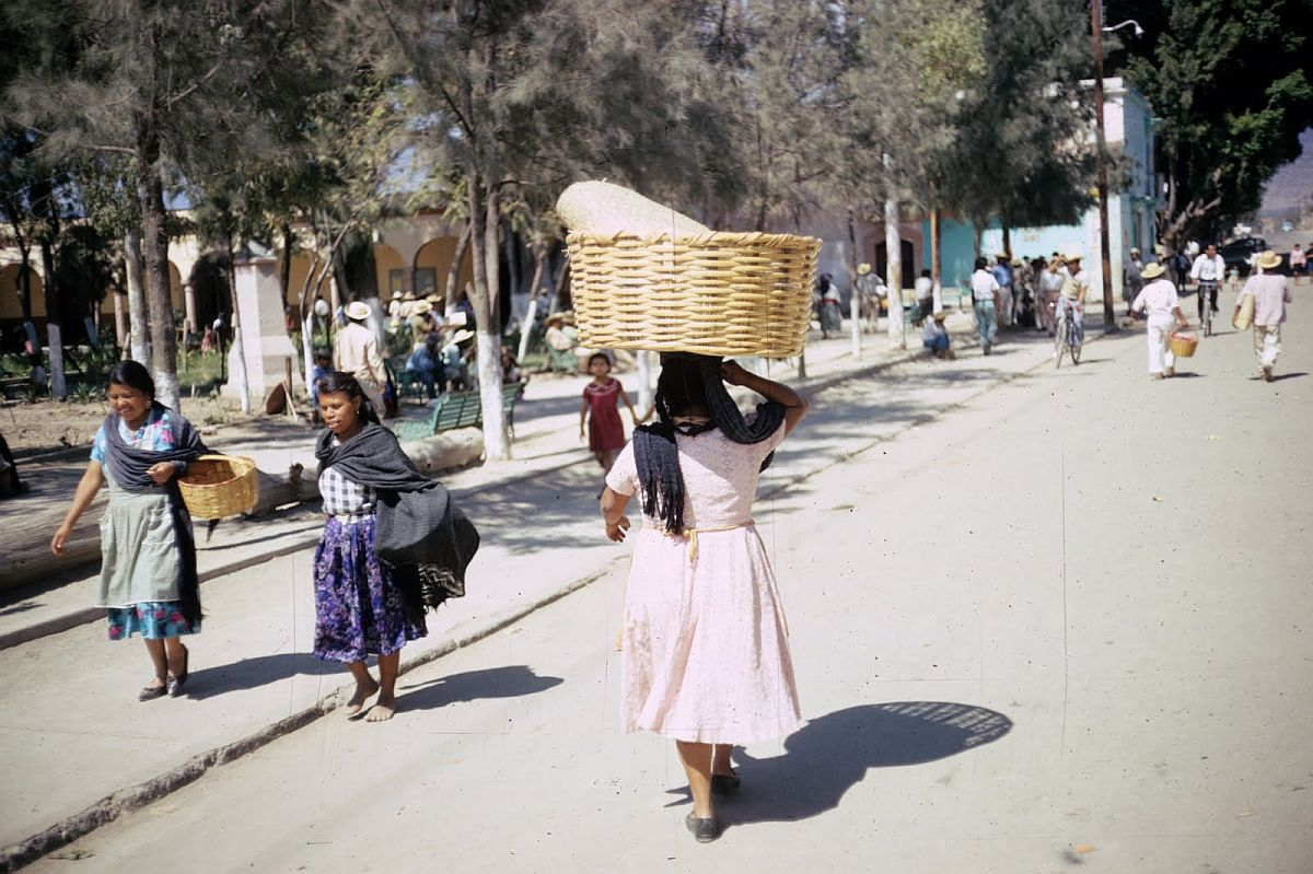 everyday-life-in-mexico-city-in-the-1950s-12