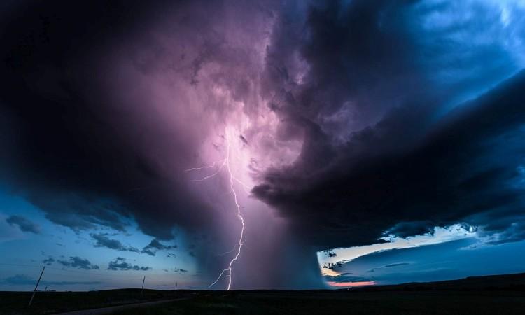 Eric Meola: Storm Chaser