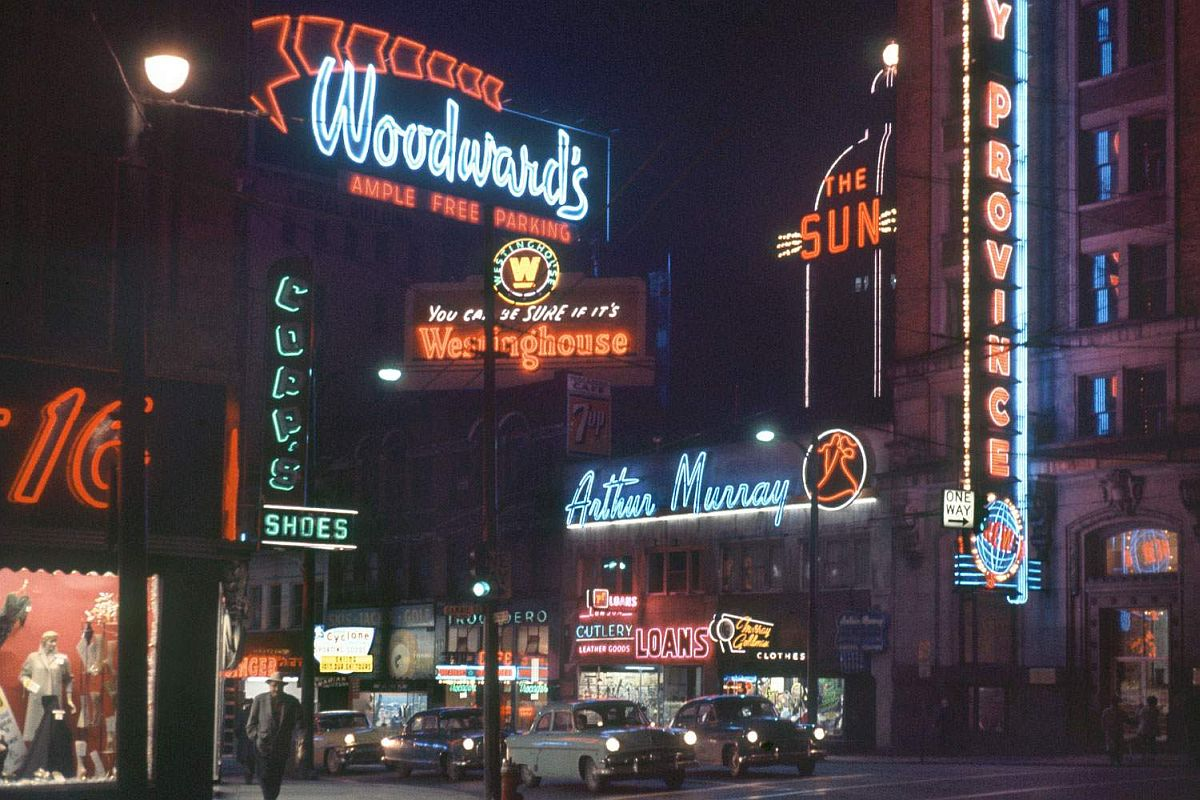 fred-herzog-vancouver-streets-in-1950s-and-1960s-01