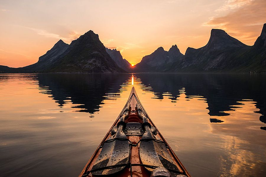tomasz-furmanek-the-fjords-of-norway-from-the-kayak-seat-08