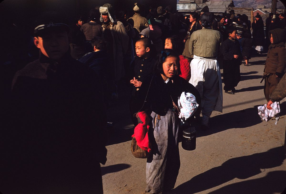 seoul-during-the-winter-korean-war-1952-05
