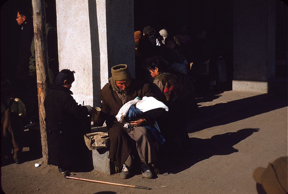 seoul-during-the-winter-korean-war-1952-16