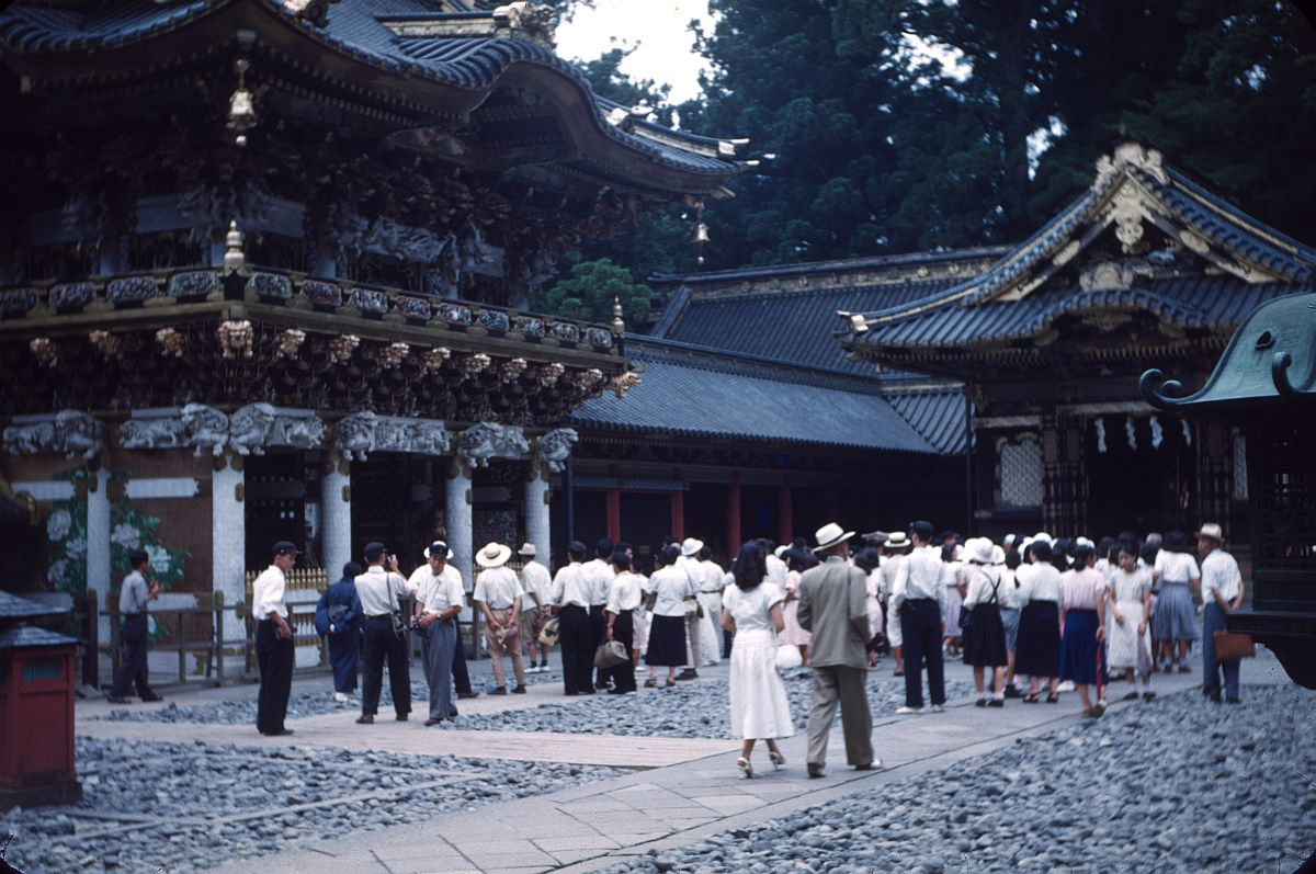vintage-color-everyday-life-in-japan-from-1949-1951-17