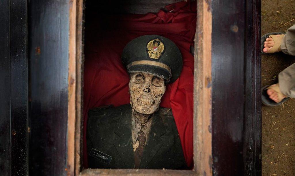 Alain Schroeder: Living for Death