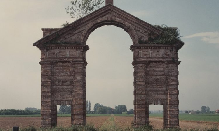 PhotoBiography: Luigi Ghirri