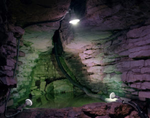 Show Caves © Austin Irving